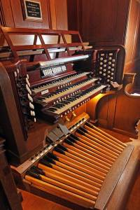 The organ console, as restored in 2011. Photo by Gary A. Becker.