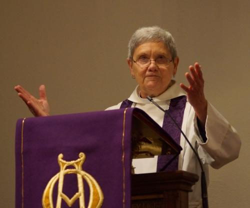Donna preaching